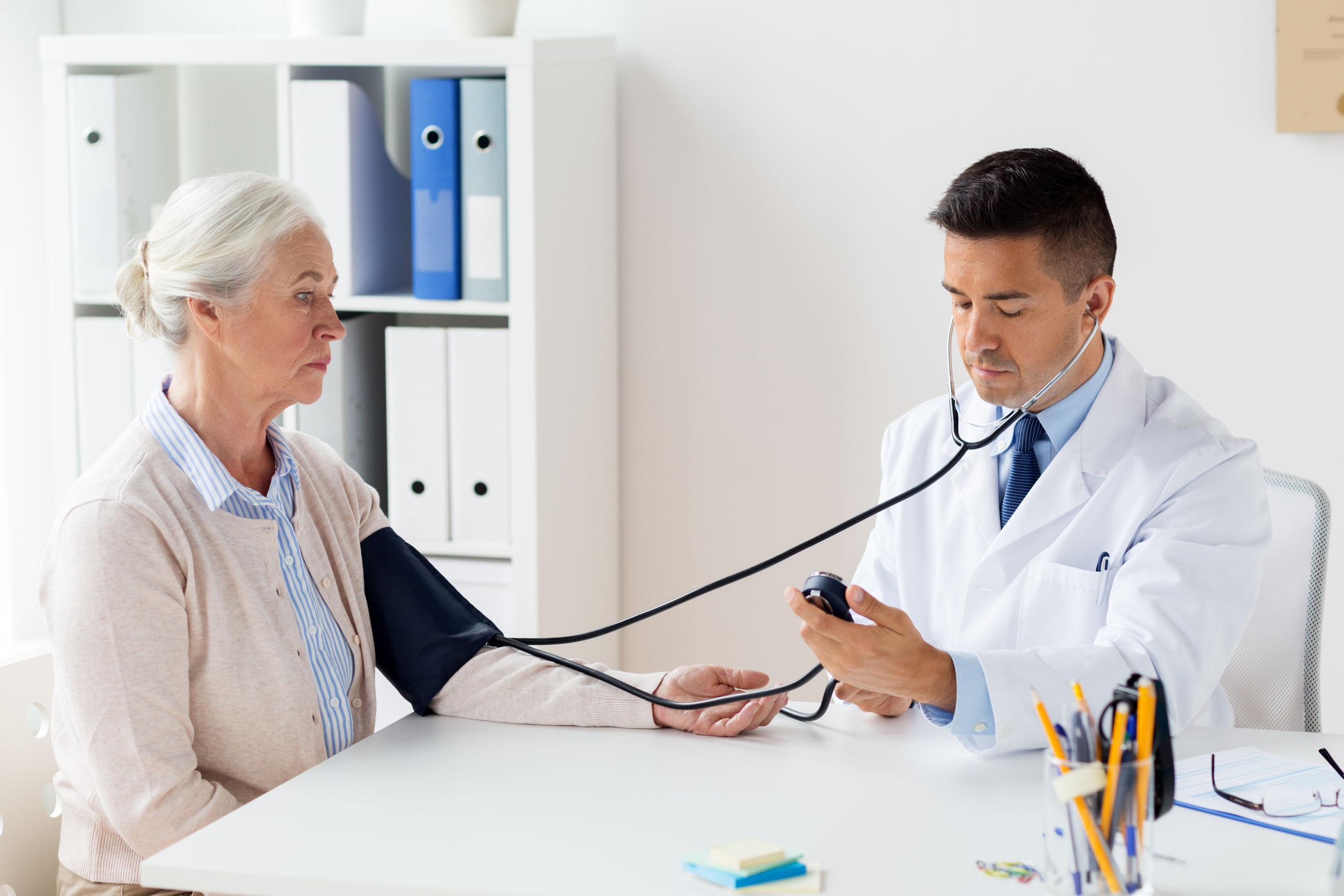 egészségügyi magas vérnyomás kezelési módszerek a magas vérnyomás munkaerő-korlátozásai