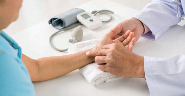 magas vérnyomás 3 stádiumú tünetek magas vérnyomás és ARVI hogyan kell kezelni
