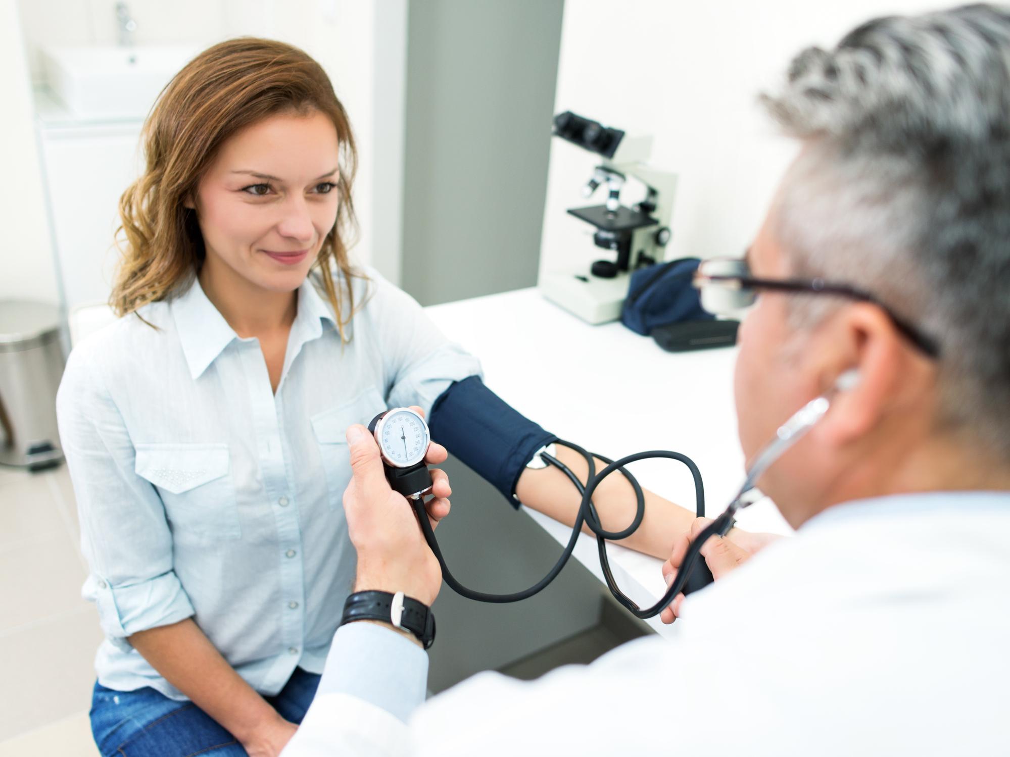gliatilin magas vérnyomás esetén a 3 stádiumú magas vérnyomás tünetei