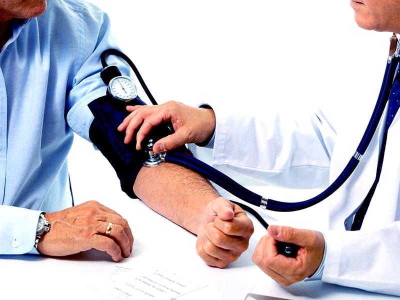 mi gyakorolja a magas vérnyomás nyomásától fejfájás magas vérnyomás dystóniában