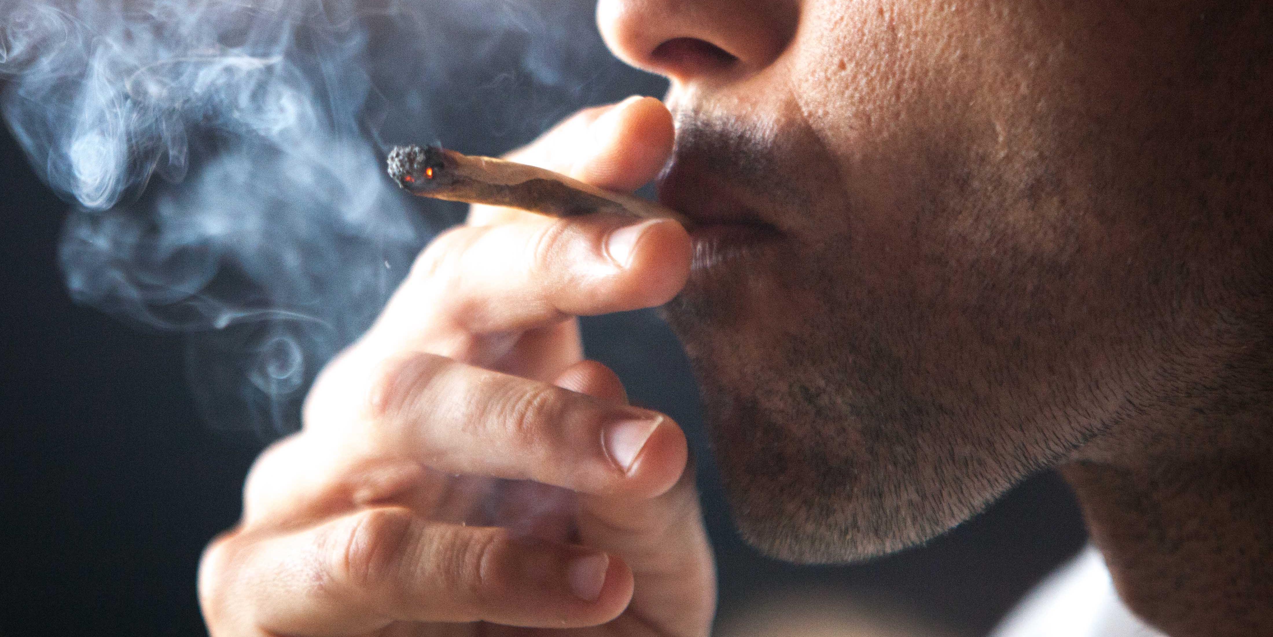 magas vérnyomás marihuánát dohányozni
